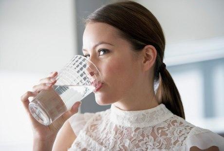 Air Putih Hangat Mampu Usir Penyakit